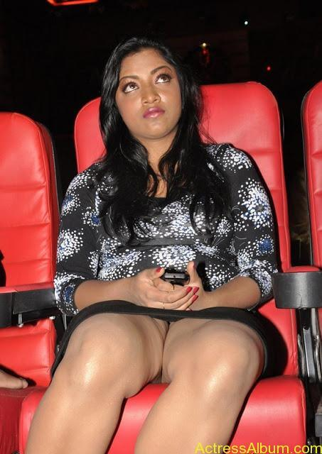 Mamta Mohandas Hot Inner Thigh Show in an Event
