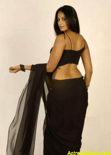 hot butt of anushka shetty