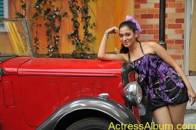 12639_tduid1085_Tamanna_hot_navel_show_thigh_show_southIndianhotspot_blogspot_com8_122_493lo