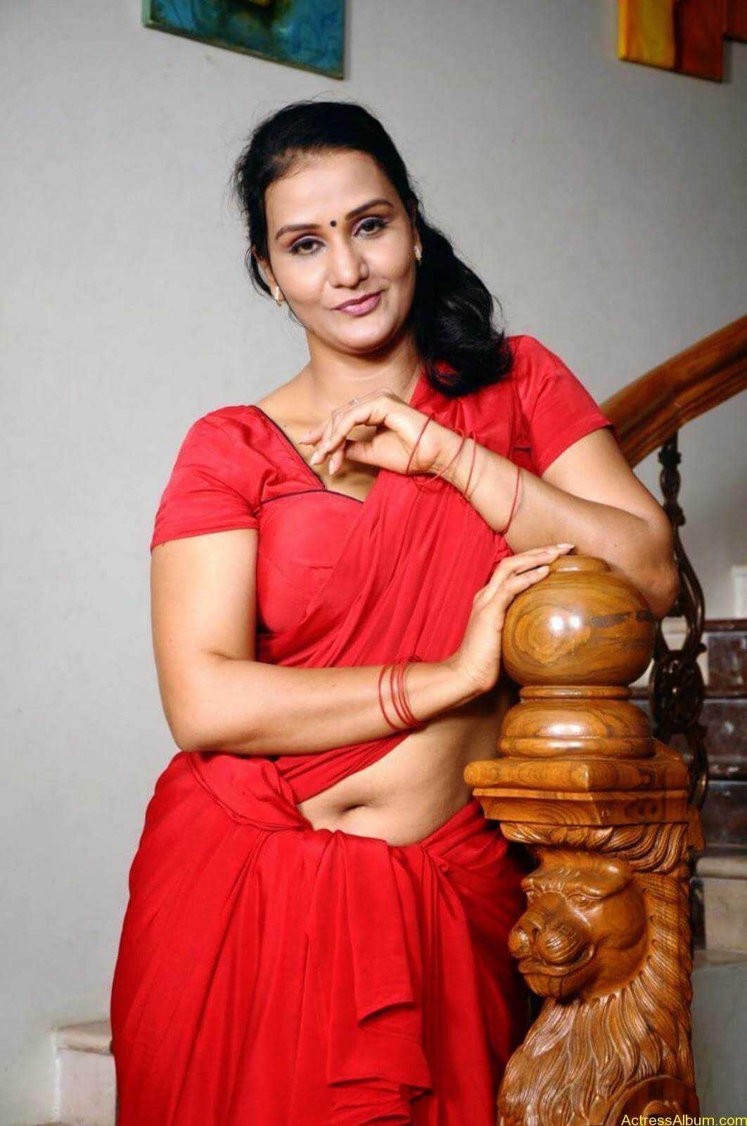 ACTRESS APOORVA VERY HOT IN RED SAREE PHOTO COLLECTION 10