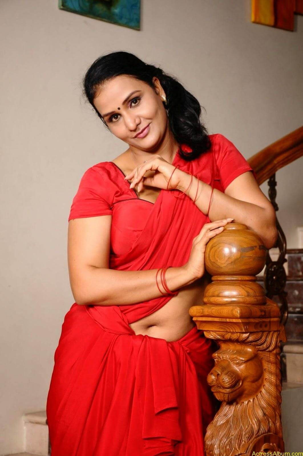 ACTRESS APOORVA VERY HOT IN RED SAREE PHOTO COLLECTION 11