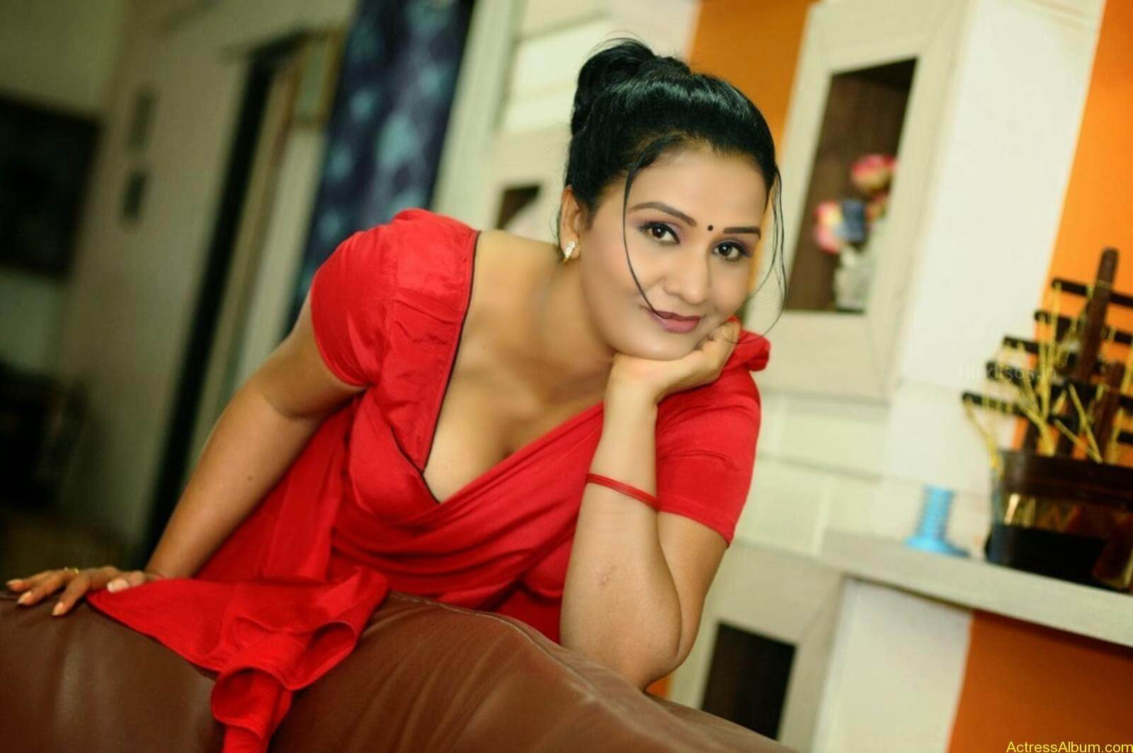 ACTRESS APOORVA VERY HOT IN RED SAREE PHOTO COLLECTION 16