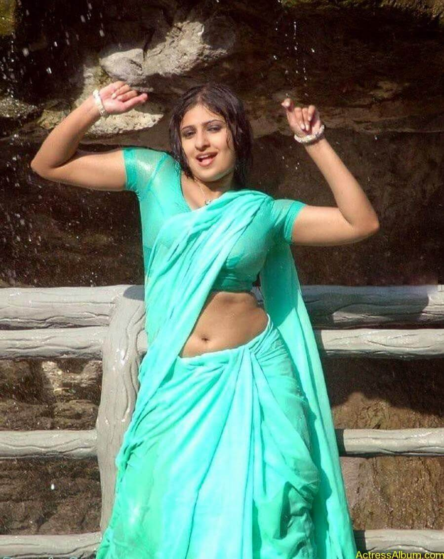 Actress-Monica-HQ-Movie-Stills-In-Wet-Green-Saree-Blouse-4