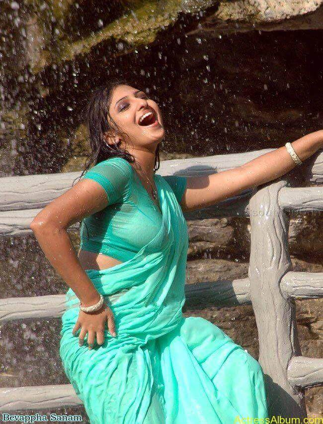 Actress-Monica-HQ-Movie-Stills-In-Wet-Green-Saree-Blouse-6
