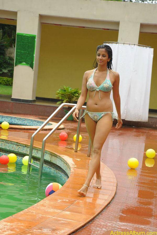 Actress Rithika navel show in Bikini dress11