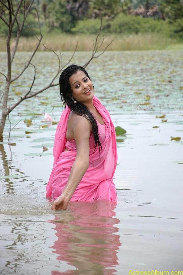 Actress Roopika Latest Spicy Photos @ Senkadu Movie Latest Gallery (1)0