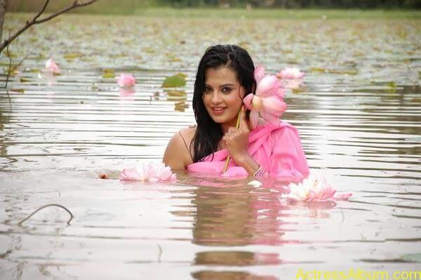 Actress Roopika Latest Spicy Photos @ Senkadu Movie Latest Gallery (2)