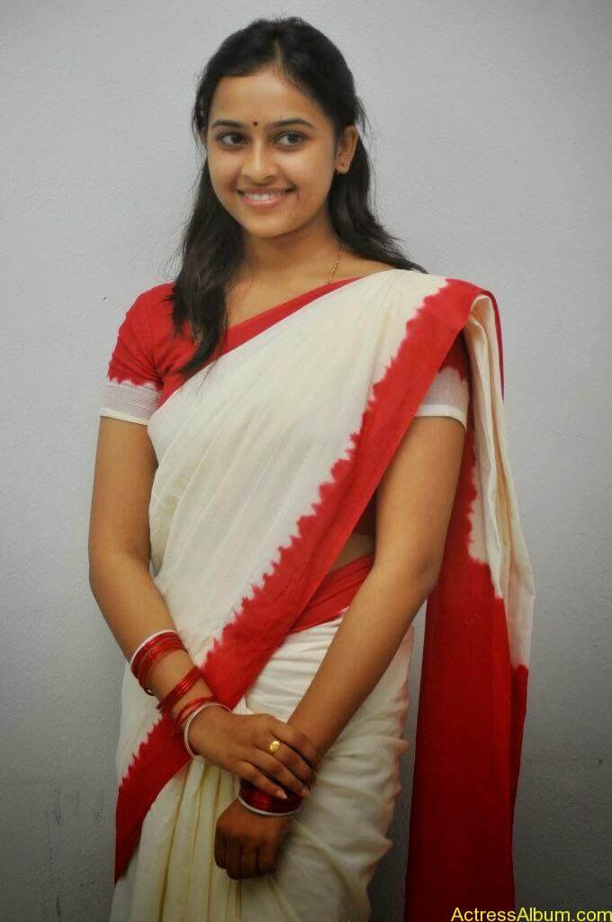 Actress Sri Divya In Saree New Sexy Looking Photos7