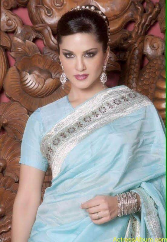 Actress_Sunny_Leone_Spicy_Stills_Saree_Hot_Photos_003