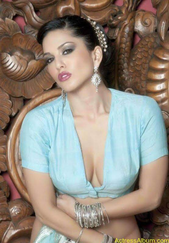 Actress_Sunny_Leone_Spicy_Stills_Saree_Hot_Photos_009