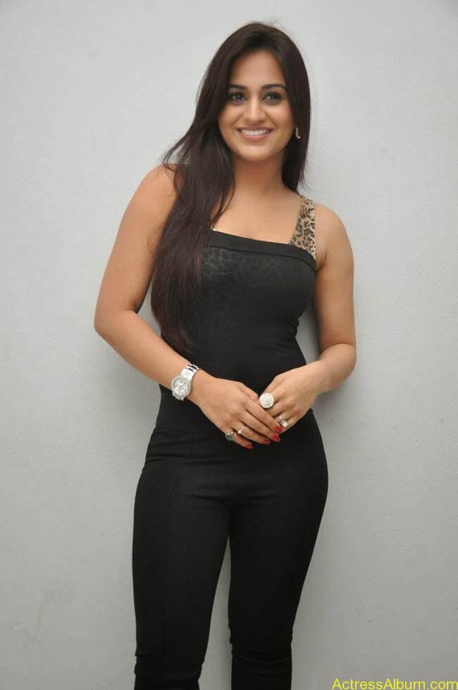Aksha Pardasany In Tight Black Dress Sexy Photos1