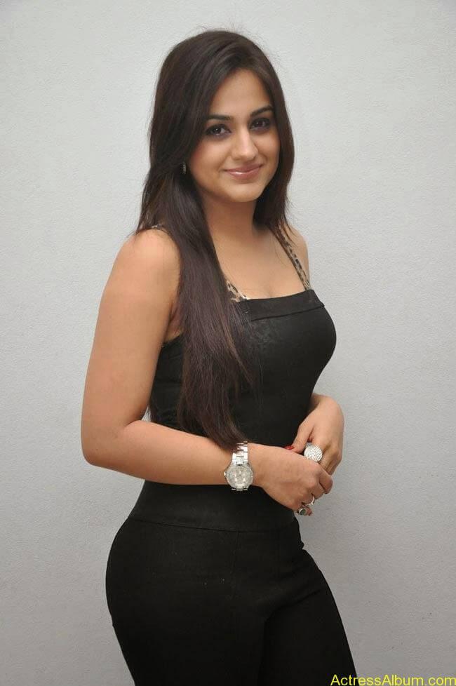 Aksha Pardasany In Tight Black Dress Sexy Photos3
