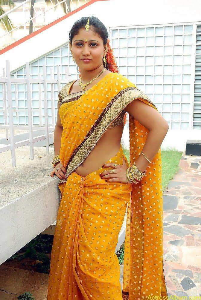 Amrutha-valli-hot-saree (1)