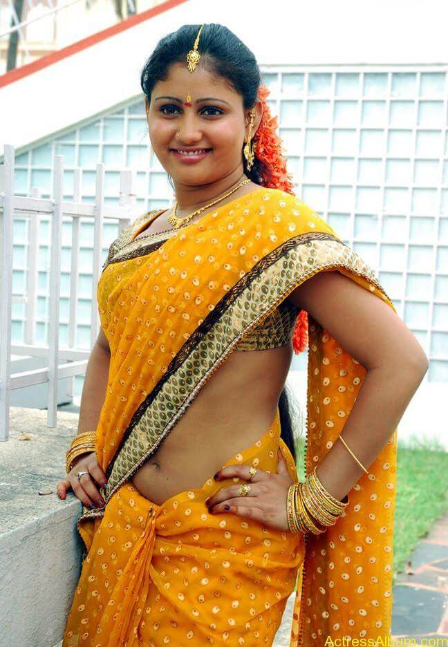 Amrutha-valli-hot-saree (3)
