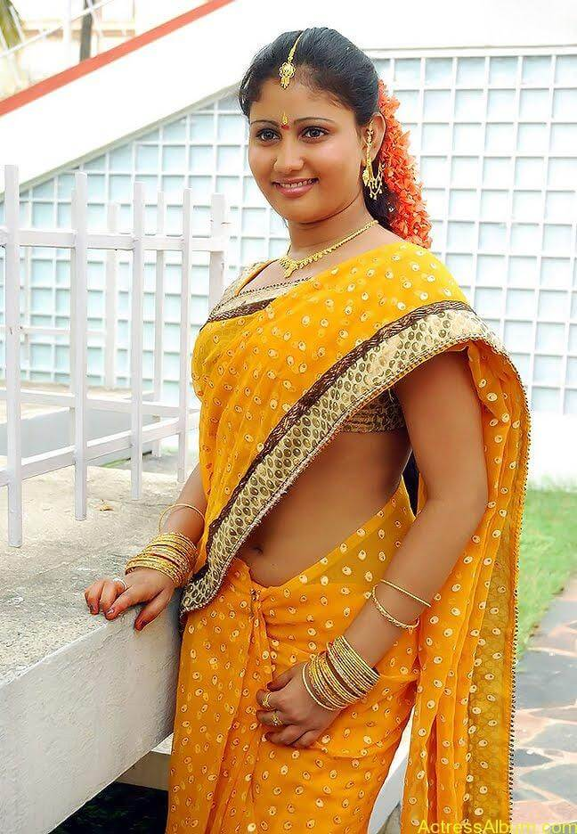 Amrutha-valli-hot-saree (5)