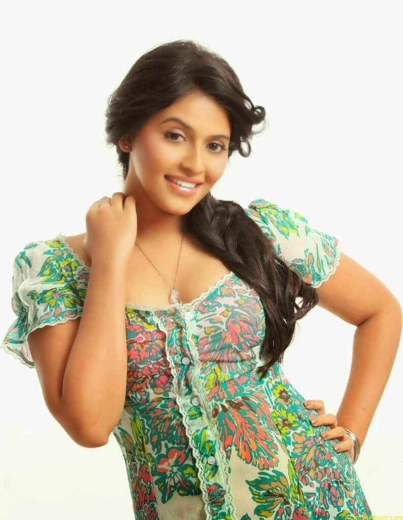 anajali-hot-photoshoot-2014-8