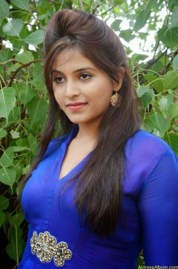 Anjali Cute Photos In Kurti At Geethanjali Press Meet (08)