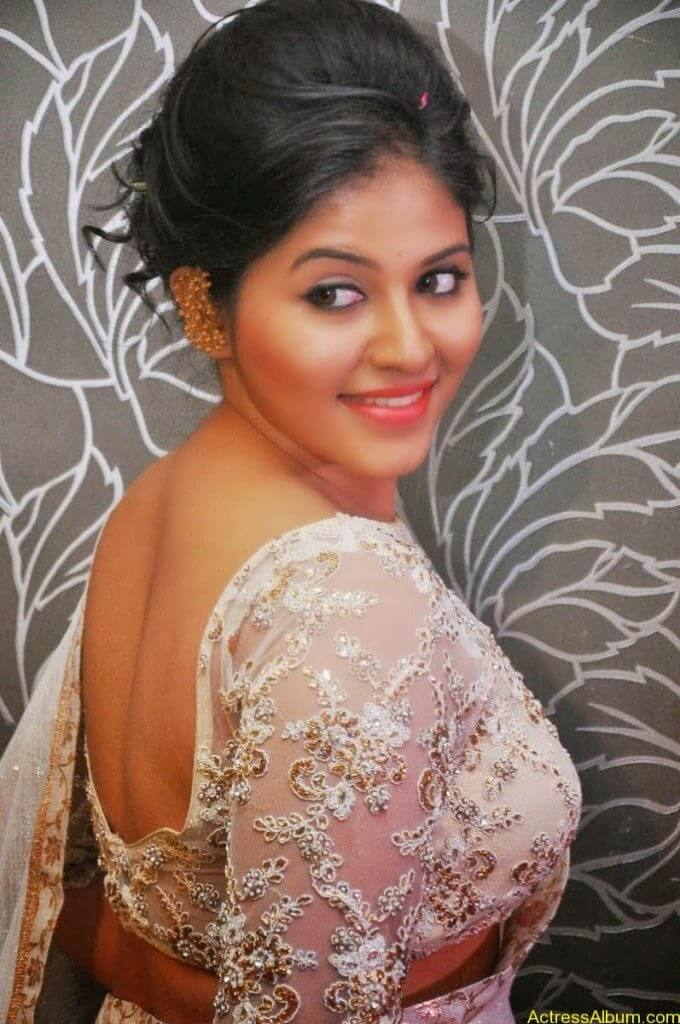 Anjali Hot Stills In Sheer Saree At Geethanjali First Look  (07)