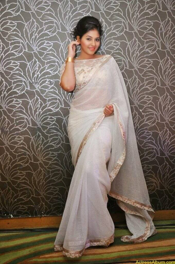 Anjali Hot Stills In Sheer Saree At Geethanjali First Look  (11)
