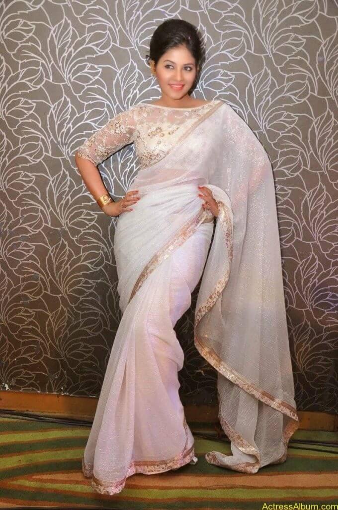 Anjali Hot Stills In Sheer Saree At Geethanjali First Look  (12)