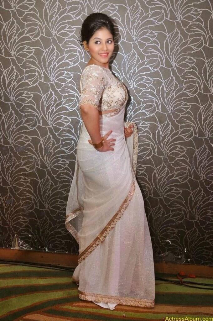 Anjali Hot Stills In Sheer Saree At Geethanjali First Look  (15)