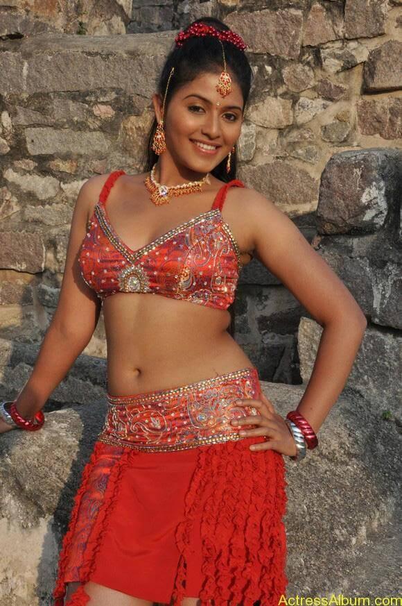 anjali_hot_navel_show_tamil_actress_anjali_002