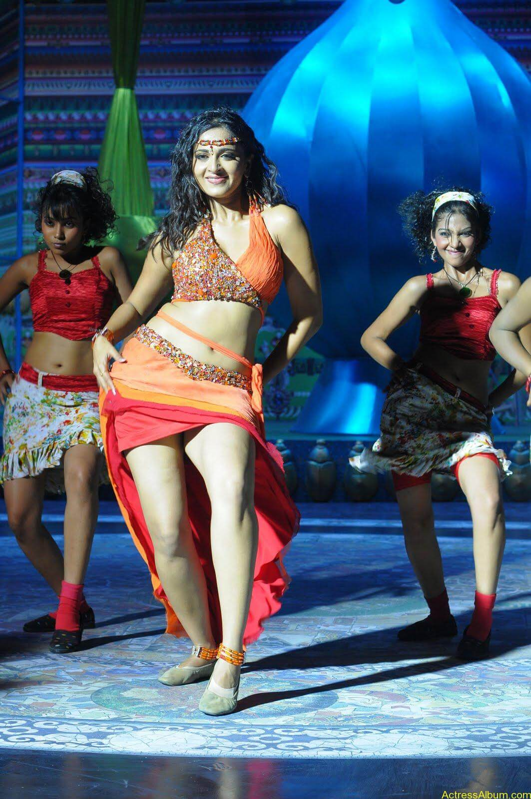 Anushka  Hot Stills in Puli Veta Movie (9)