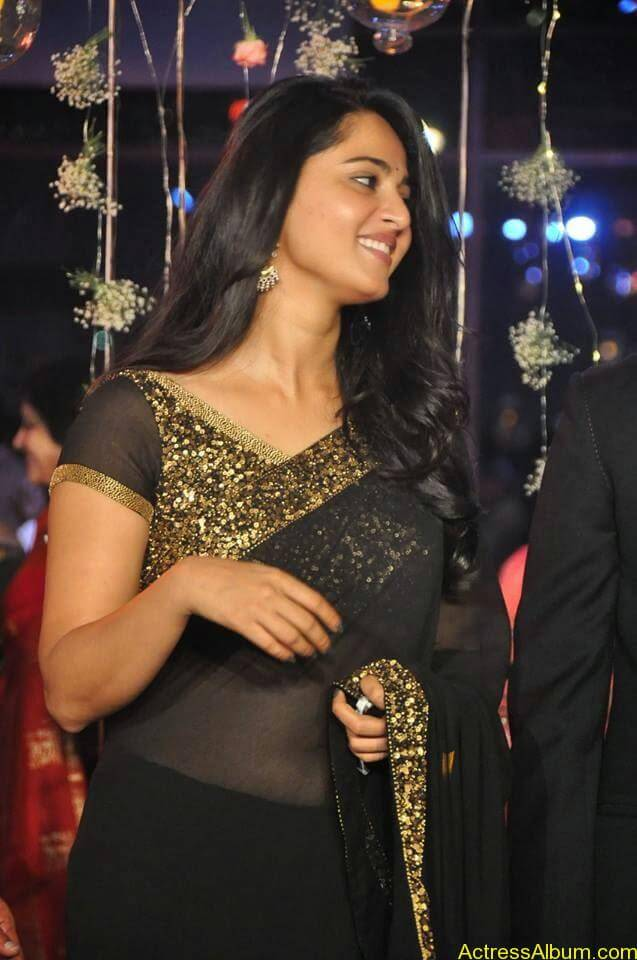 Anushka Shetty at wedding party 1