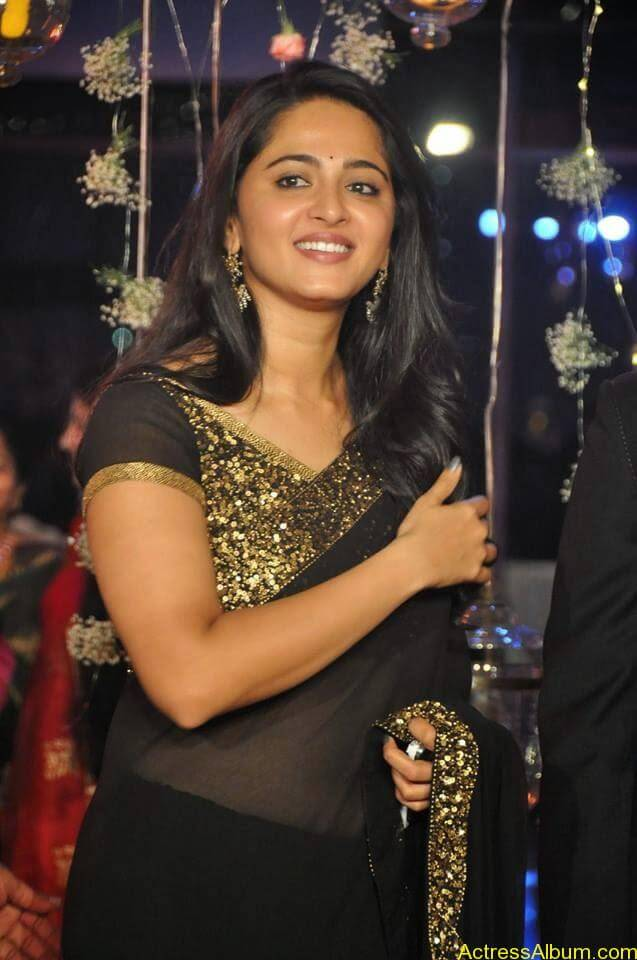 Anushka Shetty at wedding party 3