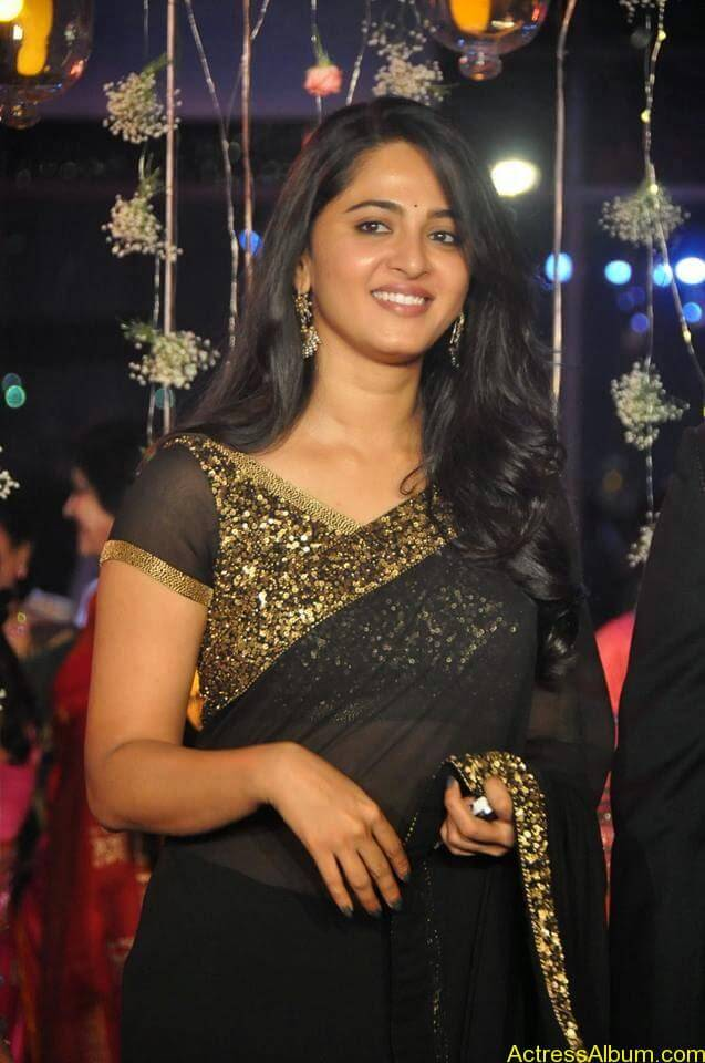 Anushka Shetty at wedding party 4