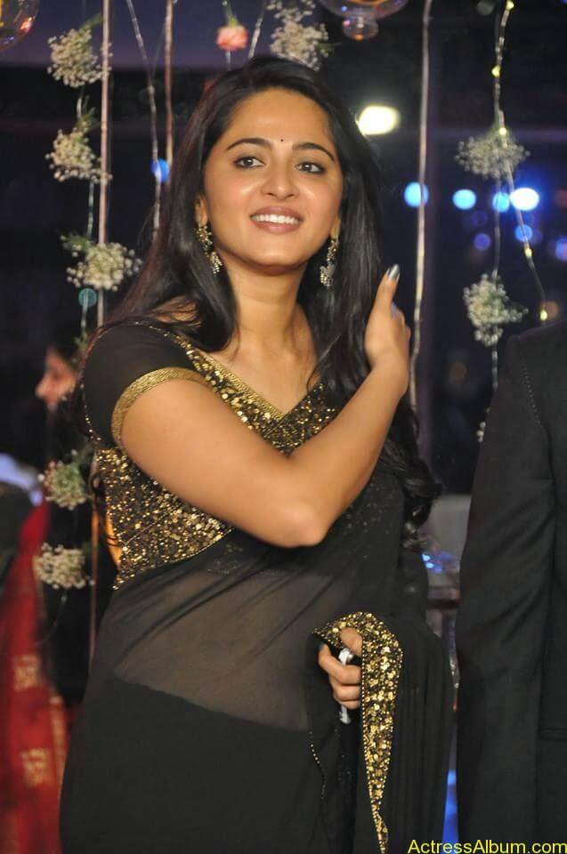 Anushka Shetty at wedding party 8