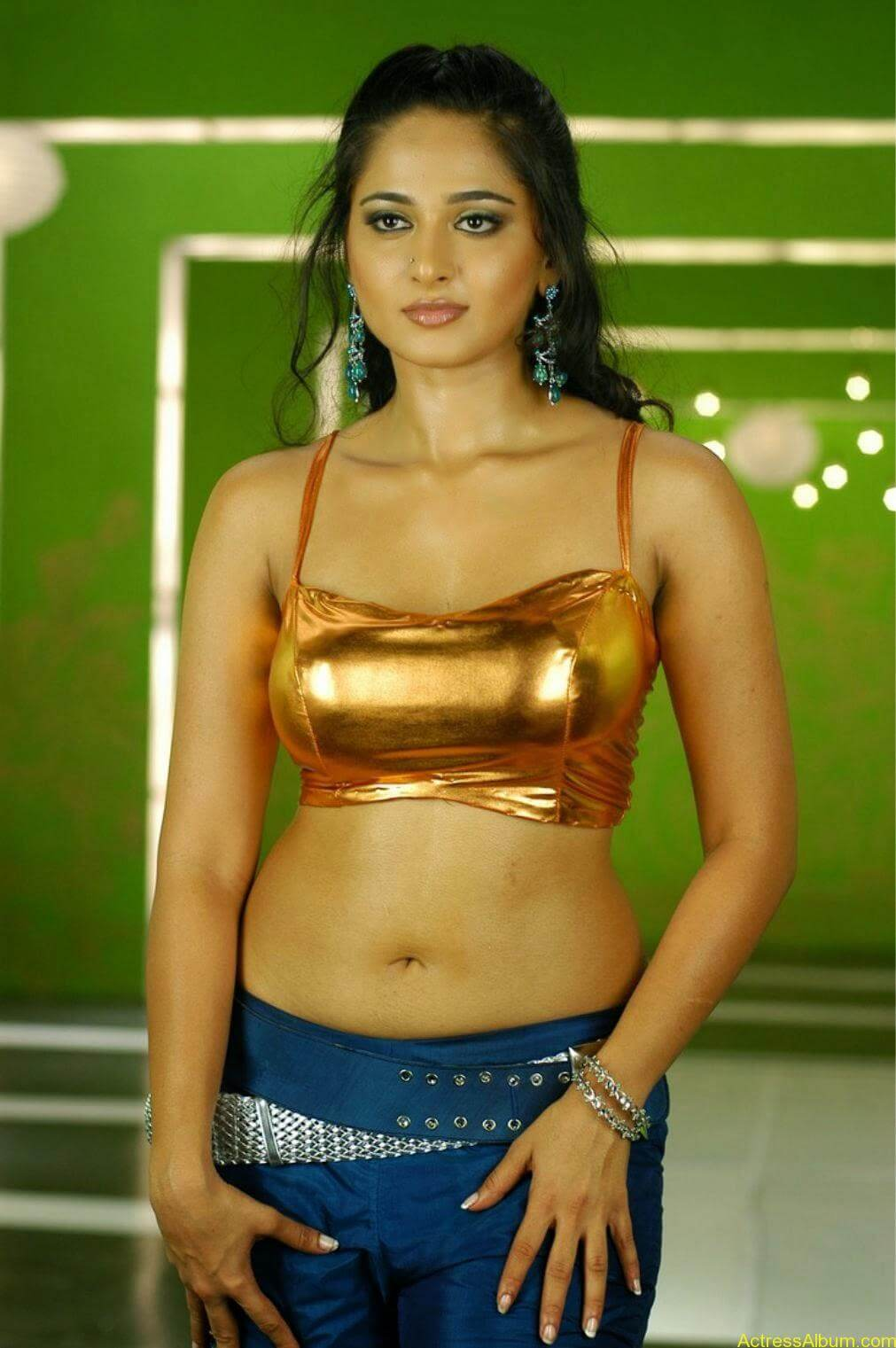 Anushka Shetty In Golden Dress