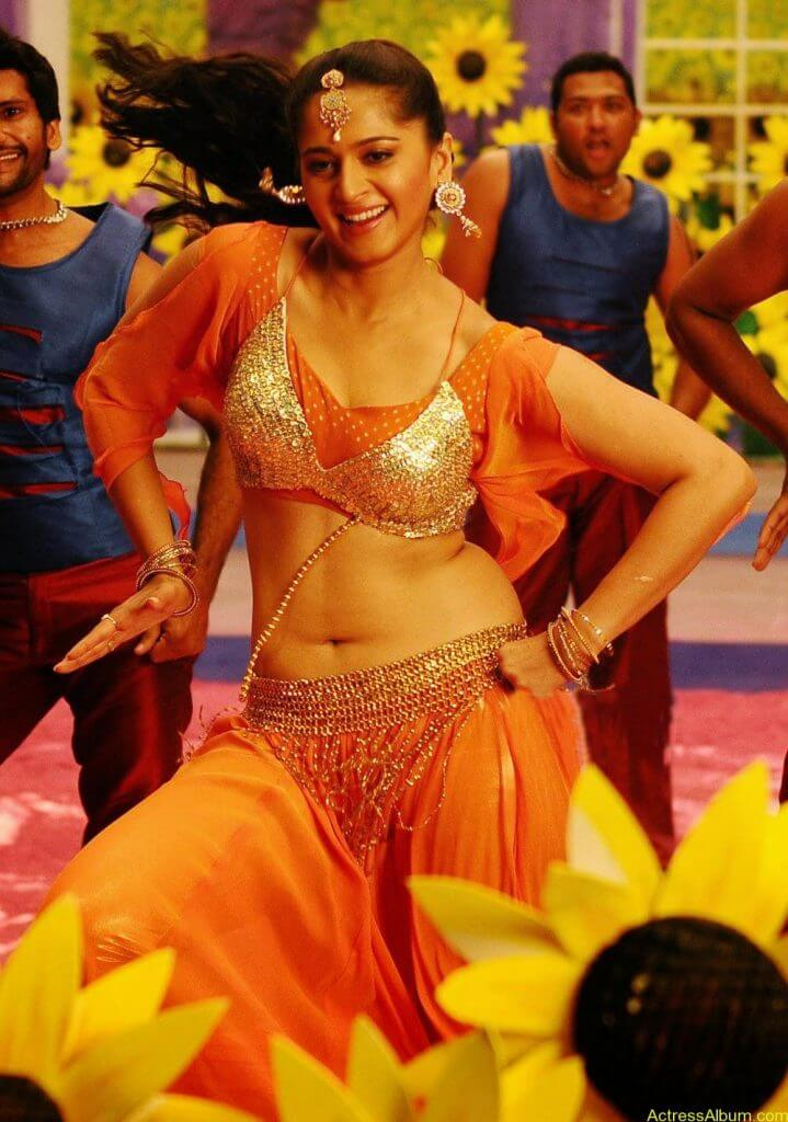 Anushka Shetty Hot In Gold & Sexy Navel Show in Dance Scene Stills1