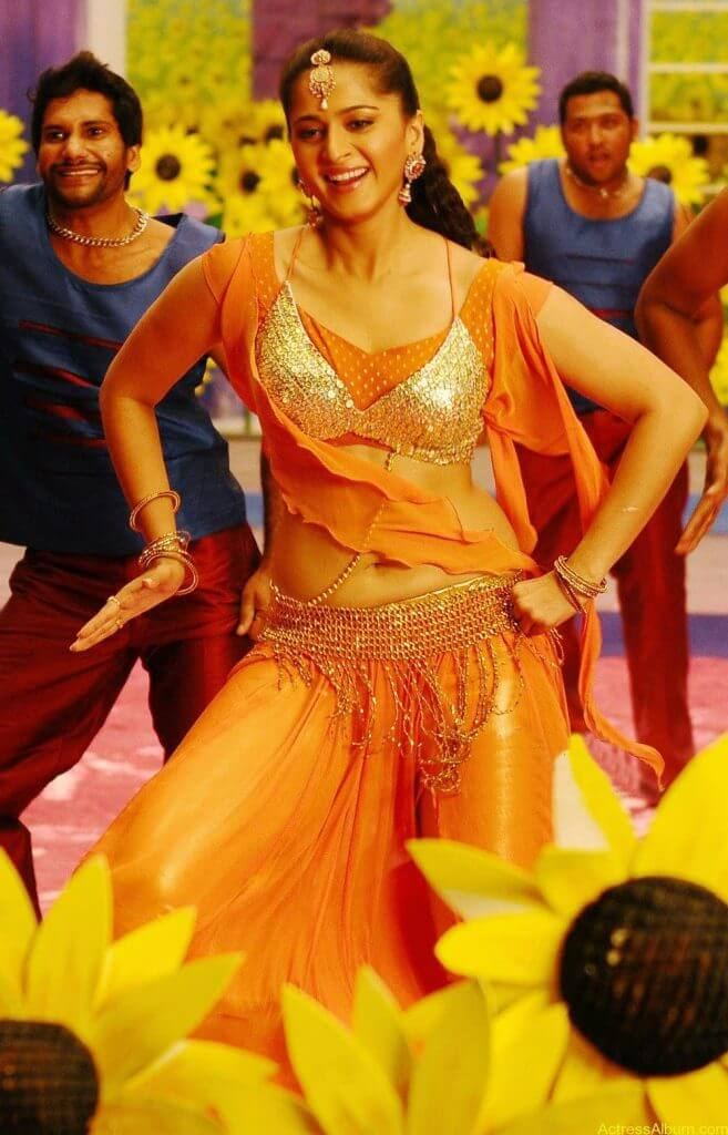 Anushka Shetty Hot In Gold & Sexy Navel Show in Dance Scene Stills5