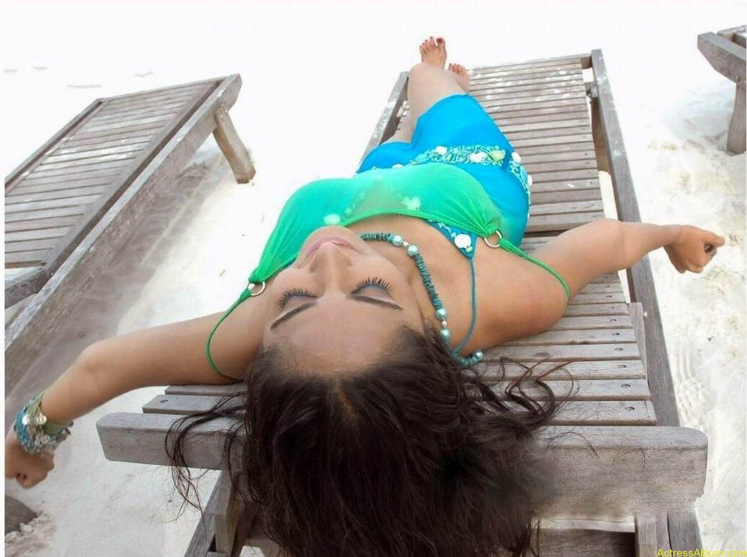 ANUSHKA SHETTY WET SPICY PHOTO COLLECTION8