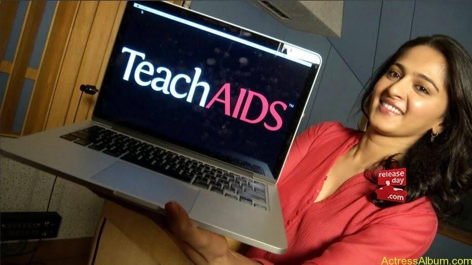 anushka_teach_aids_photos_releaseday (16)