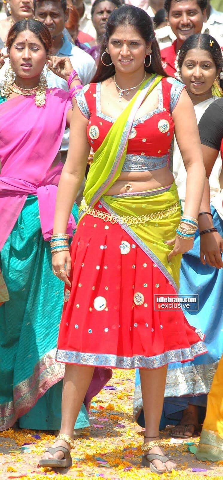 Bhuvaneshwari Hot Stills In Red Saree3