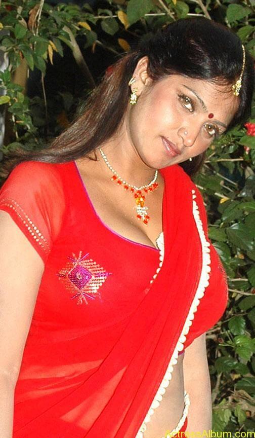 bhuvaneswari-hot-stills (1)