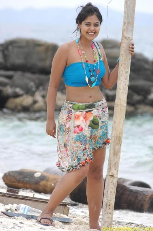 Bindhu Madhavi in Bikini (11)