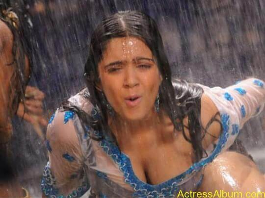Charmi-Spicy-Pictures-Hot-Cleavage-Sexy-Legs-Wet-Charmi-Navel-Show33