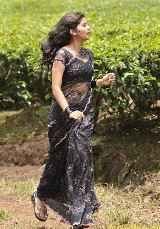 Colors Swathi hot and sexy in black saree7