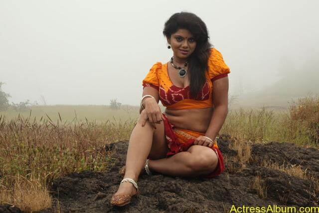 SWATHI VARMA HD SEXY PHOTOS