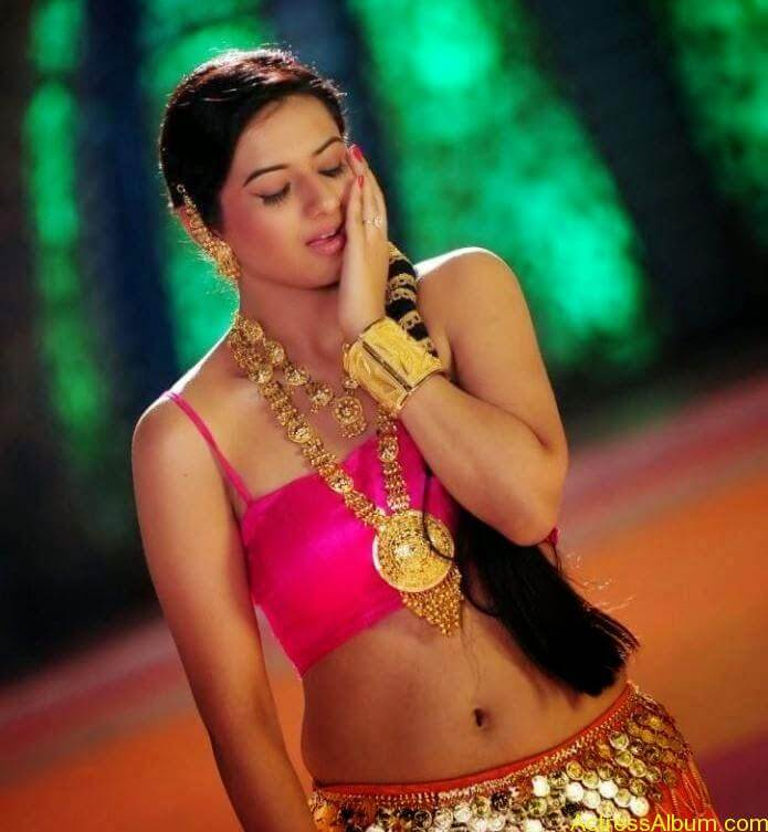Isha Chawla Navel Show In Item Song Latest Photos