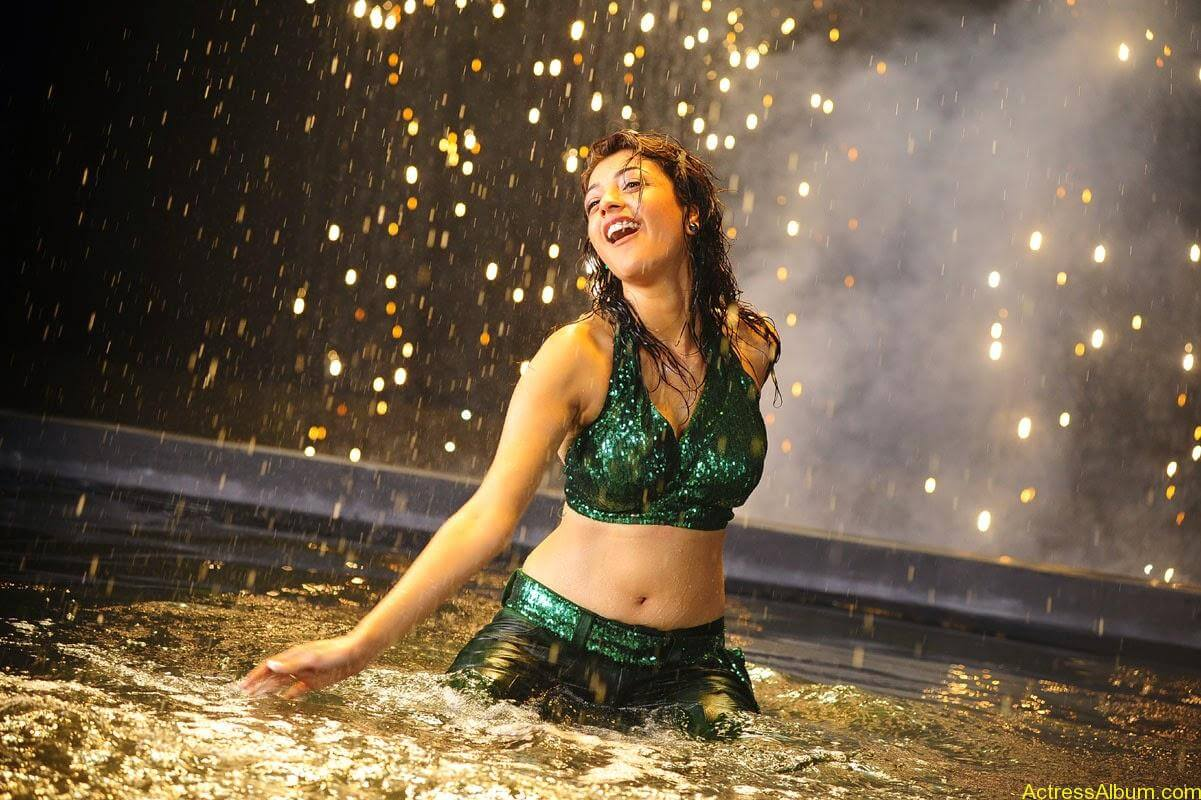 Kajal Agarwal Hot Navel Show In Green Wet Dress Pictures3
