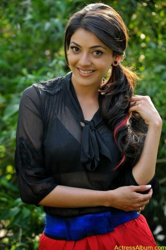 KAJAL AGARWAL HOT TRANSPARENT DRESS3