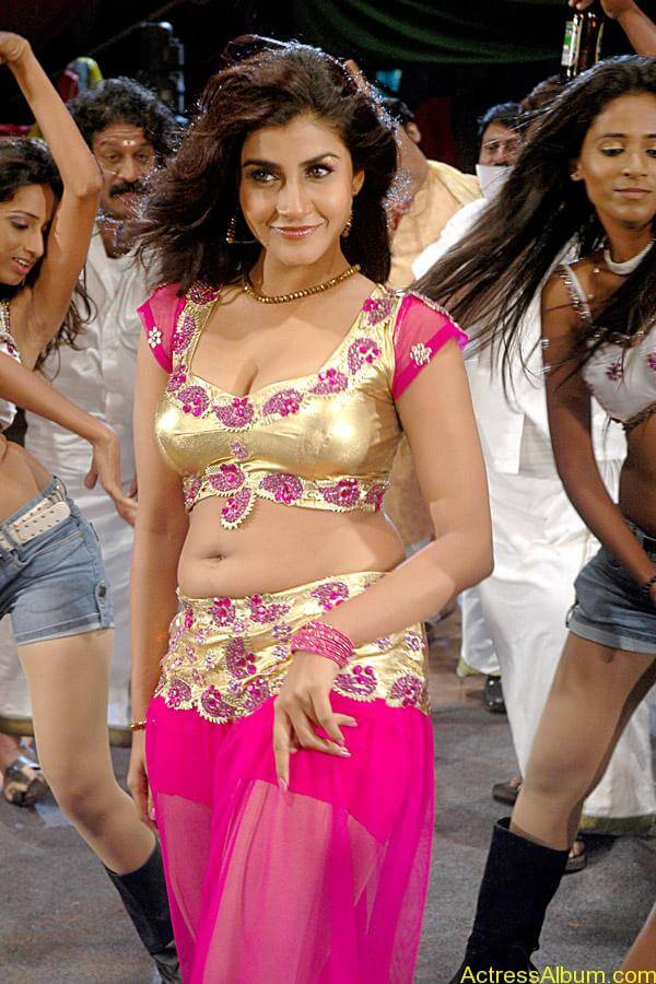 Kausha hot navel show in pink dress1