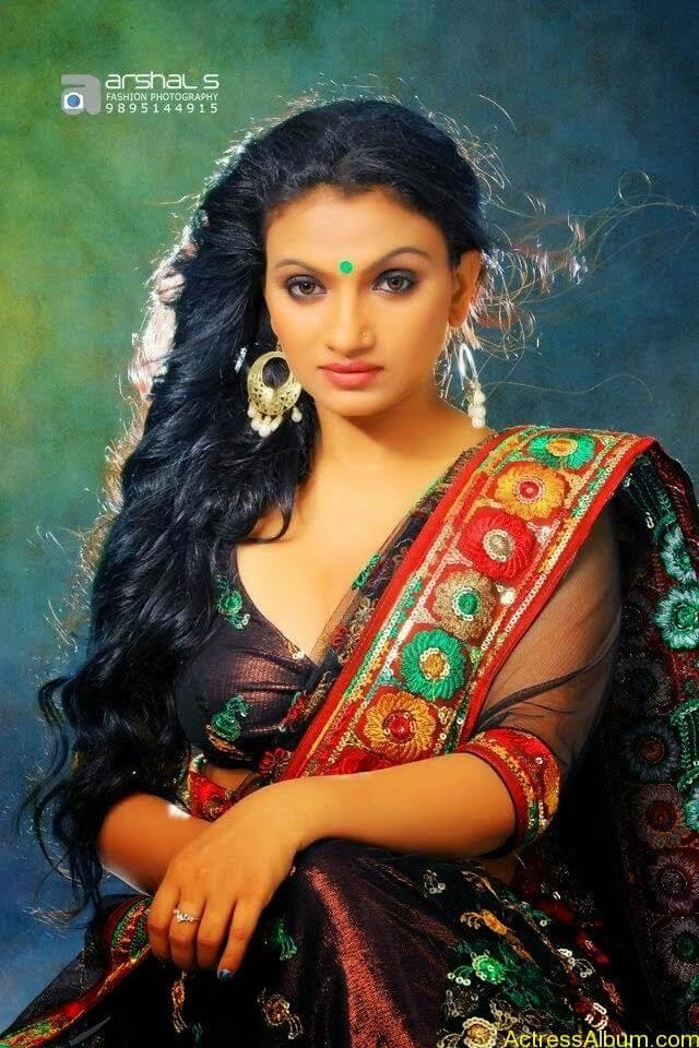 Krishna Prabha Hot Navel Photoshoot Mallu TV Film Actress4