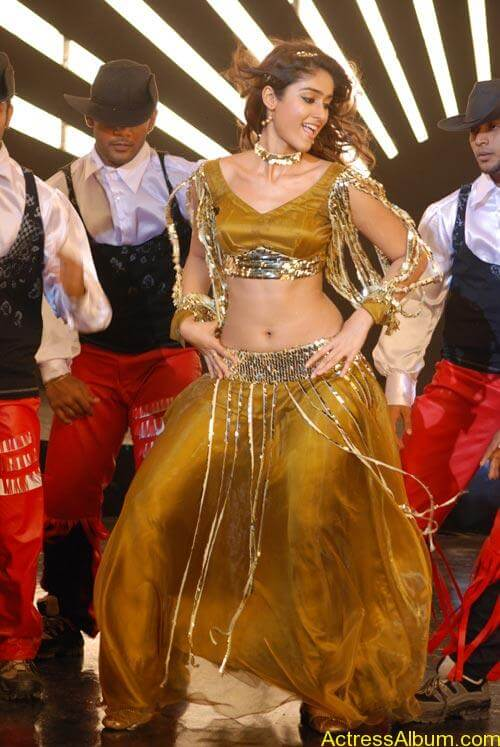 latest-ileana-hot-stills-rechipo (3)