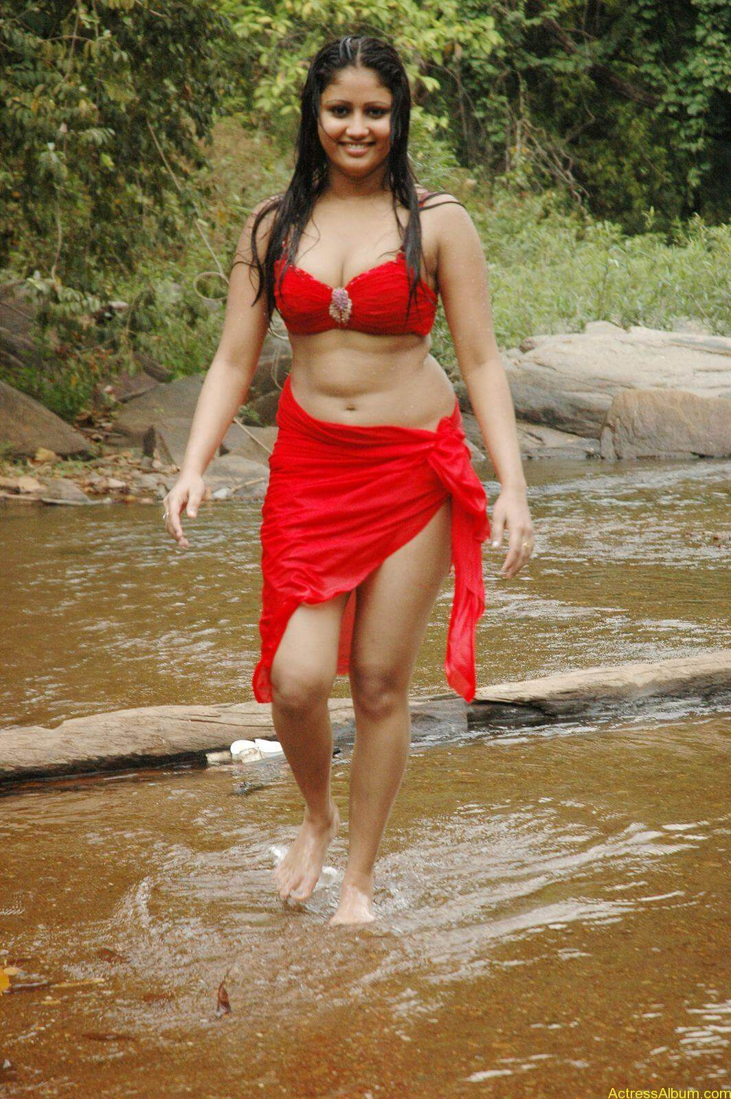 macha kanni tamil movie hot stills28