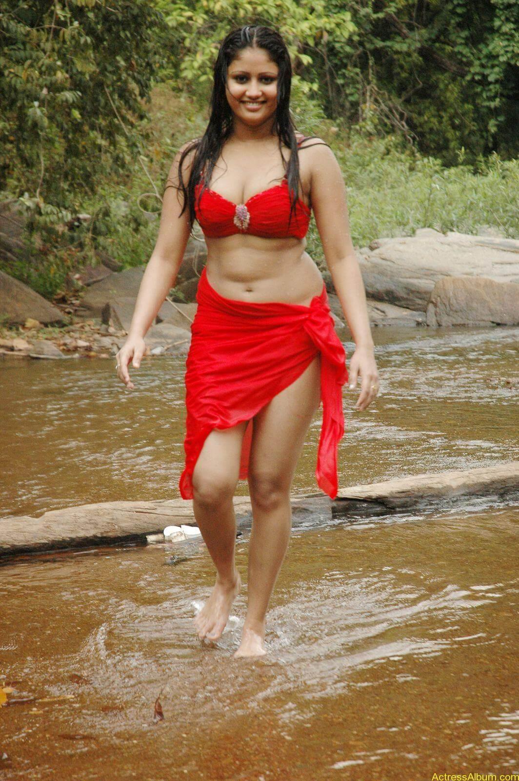 macha kanni tamil movie hot stills28